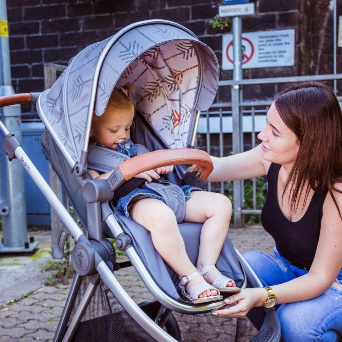 Red Kite Travel System Push Me Pace Shadow Arrow